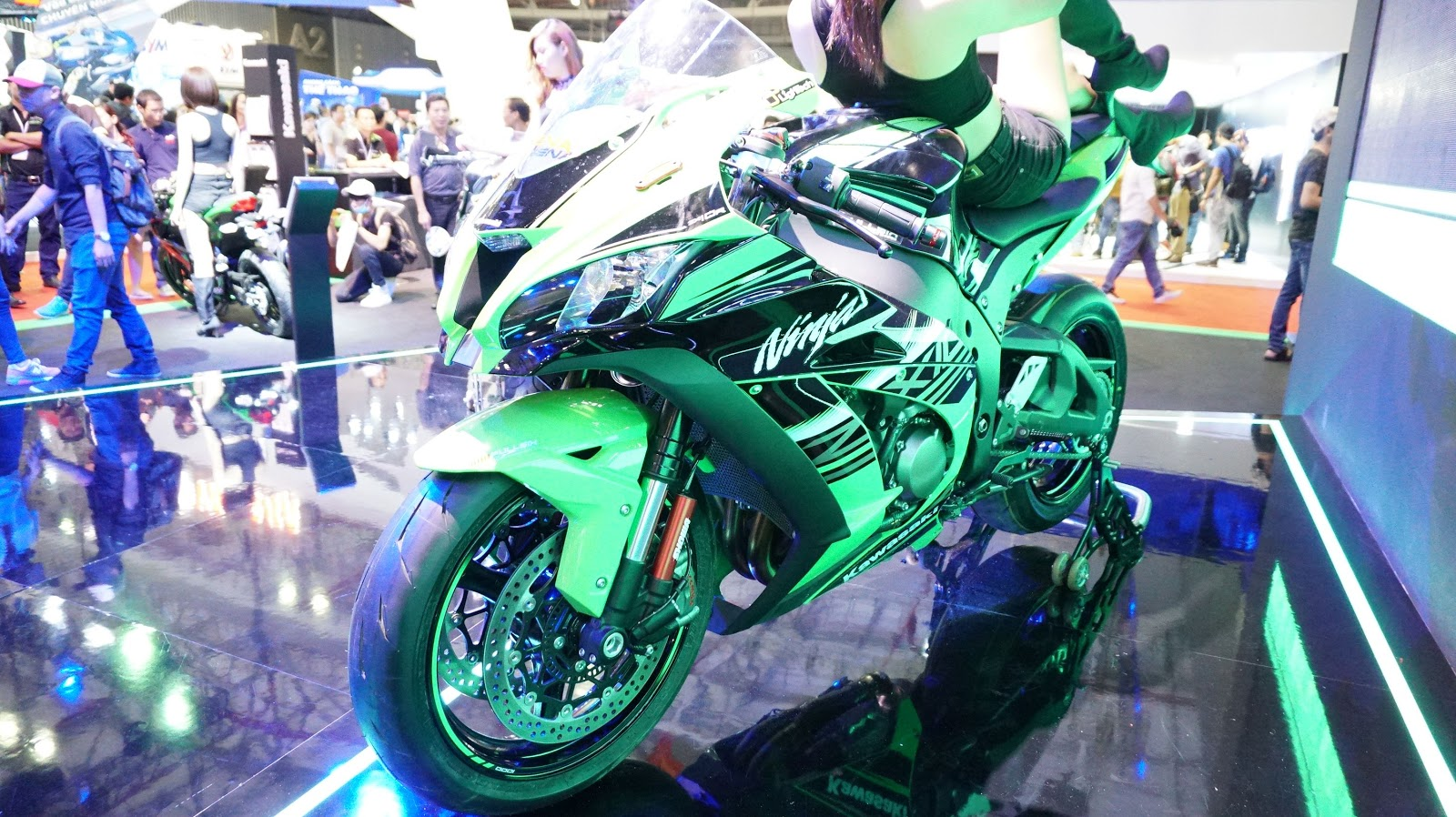 Kawasaki Ninja ZX-10R ABS mạnh gần 200 mã lực, tốc độ siêu cao