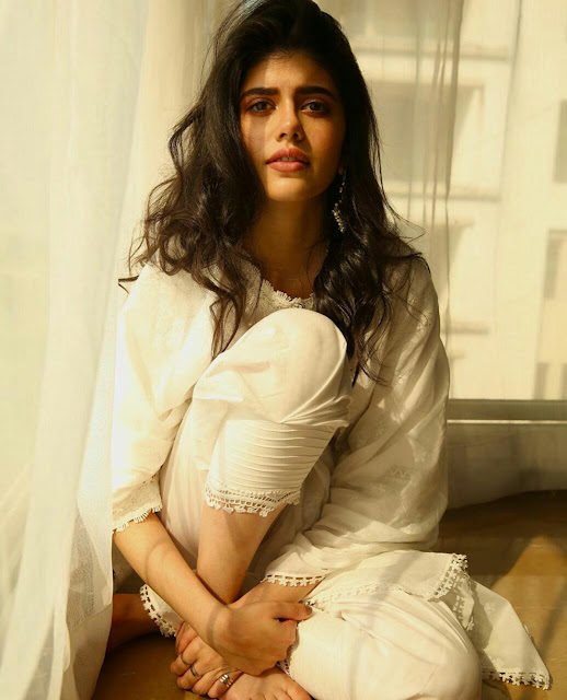 Best 28 Sanjana Sanghi Instagram Pics Never Seen Ever