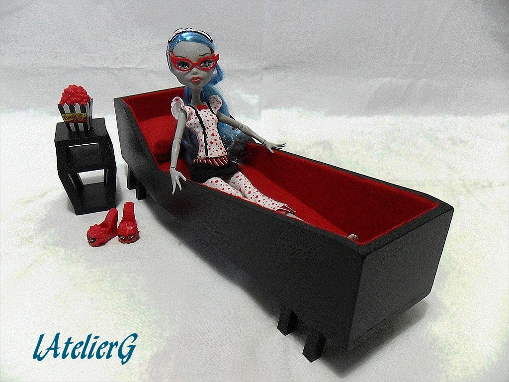 latelierg 1 sp cial monster high lit pour ghoulia yelps. Black Bedroom Furniture Sets. Home Design Ideas
