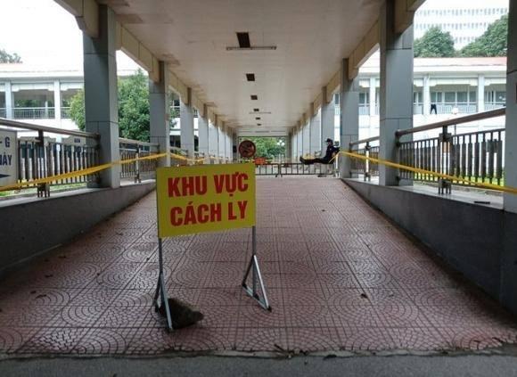 Hơn 600 người Ninh Bình tới Bệnh viện Bạch Mai khám chữa bệnh