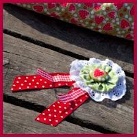 broche flor de tela