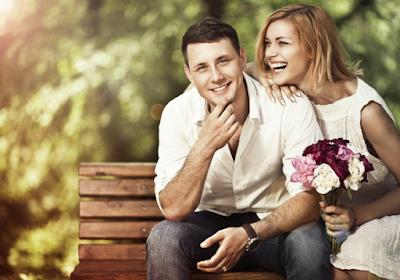ما الذي يجذب المرأة في اختيار شريك حياتها  رجل وسيم امرأة جميلة زوجان حبيبان صور حب رومانسية