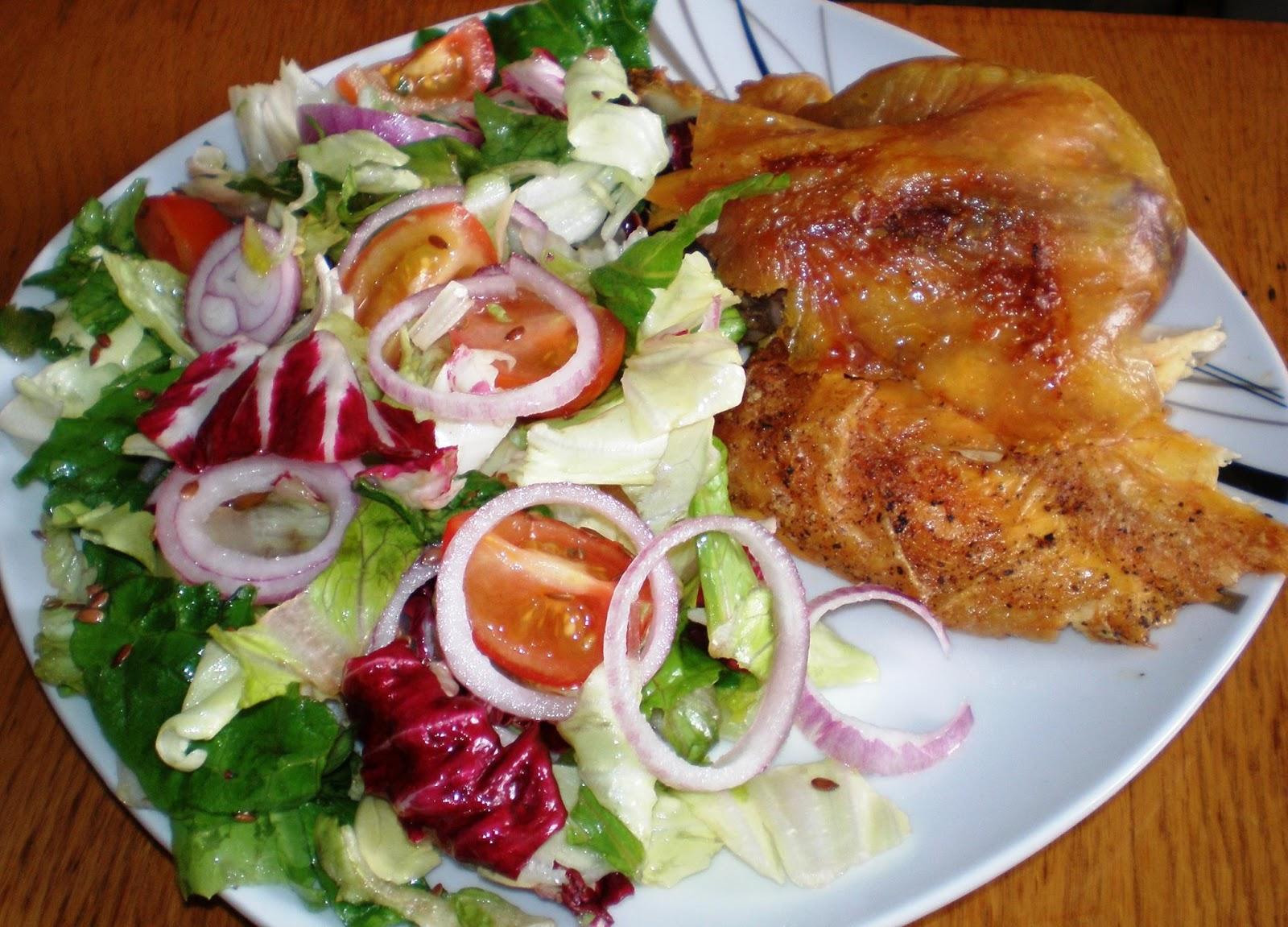Pui la cuptor cu salată verde