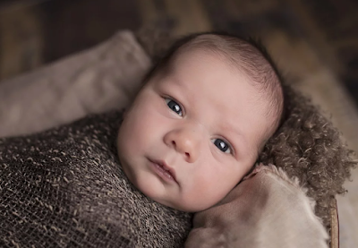 Mengenal 4 Upacara Kelahiran Bayi di Indonesia