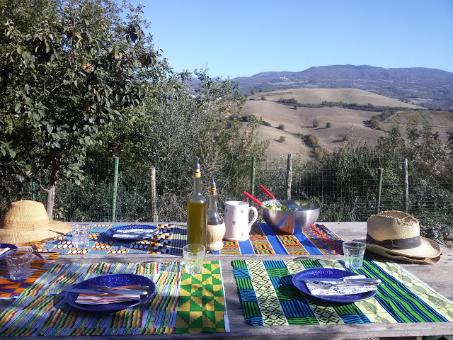 November outdoor lunch in Tuscany