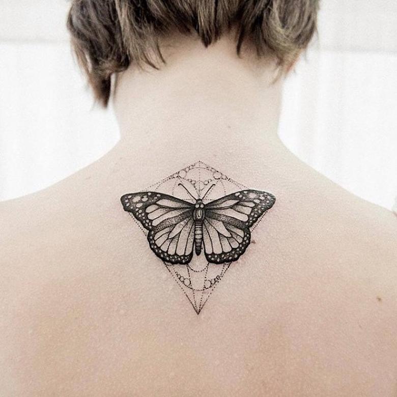 10 Shoulder Tattoos for Women