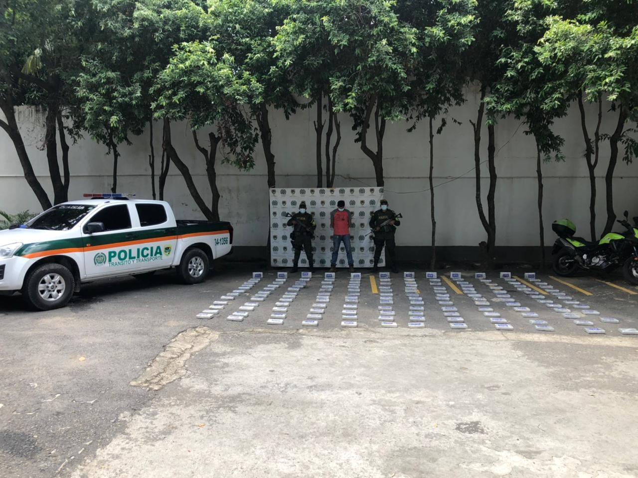https://www.notasrosas.com/Setra incauta 150 mil gramos de Clorhidrato de Cocaína en la vía Aguaclara - Ocaña