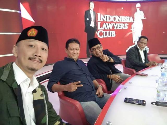 "12 Jam Usai Dipermalukan di ILC, Abu Janda ""Menghilang"""