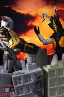 S.H. Figuarts Ultraman X MonsArmor Set 76