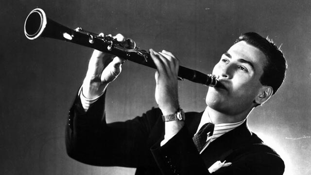 Artie Shaw worldwartwo.filminspector.com