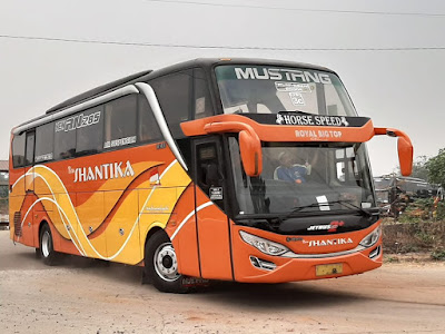 Foto Bus New Shantika 3C Royal Big Top