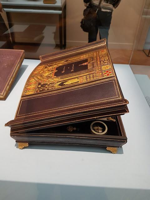 """Reliquaire d'Alexandre Lenoir """"Heloise et Abelard"""""""