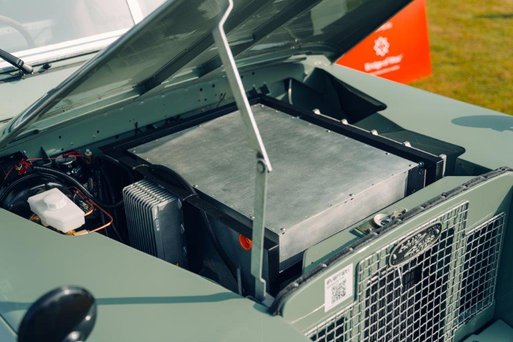 لاندروفر سيريز 2 إيه الكهربائية المحرك