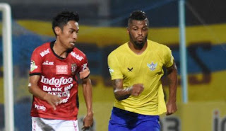 Persegres Gresik United vs Bali United 1-3 Liga 1 Senin 31/7/2017