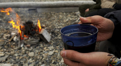 How to Make Campfire Coffee. Image from eurekacamping