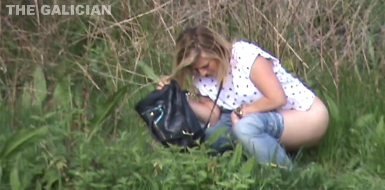 very nice ebony girl peeing