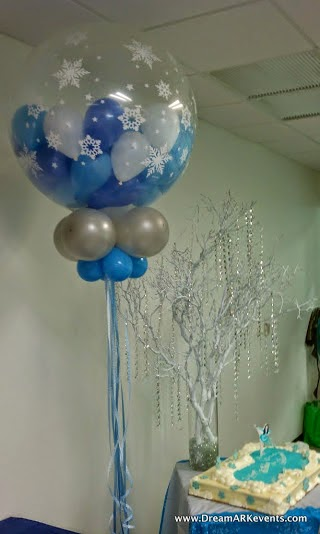 winter theme balloons decoraion