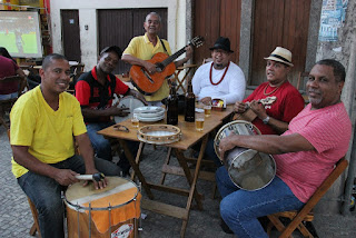 Velhos Malandros com o melhor do samba na Gamboa