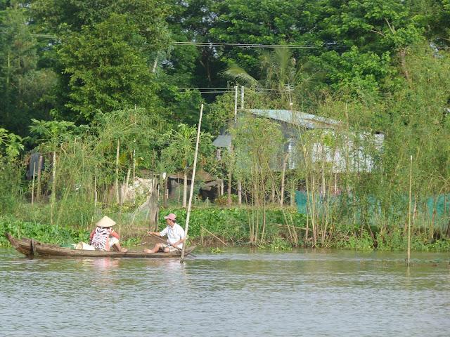 Pesca en el rio Mekong en Vietnam