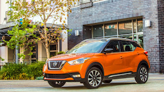 2018 Nissan Kicks orange
