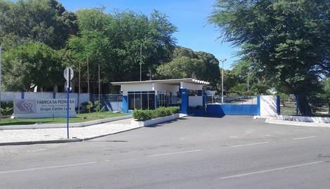 Em Delmiro Gouveia, fechamento da centenária Fábrica da Pedra completa 1 ano