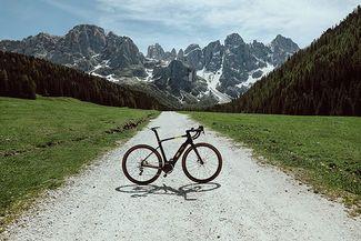 La nuova gravel e-bike Pirelli Montagel