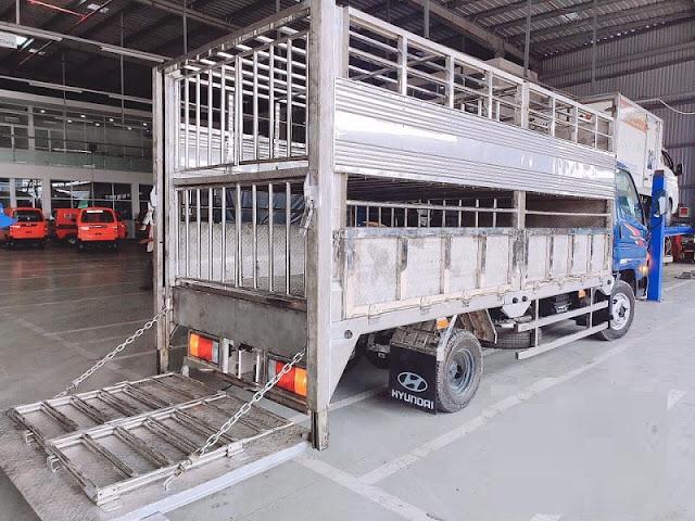 Hyundai N250SL thùng chở gia súc lợn heo