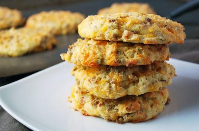 Healthy Savory Breakfast Cookies #healthy #breakfast
