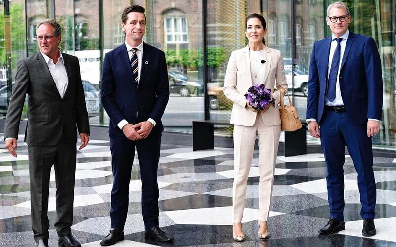 Crown Princess Mary wore a beige one button lapel collar blazer suit and jogging fit trousers from Massimo Dutti