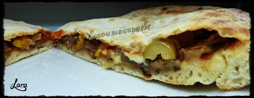 http://cucinaconlara.blogspot.it/2014/09/calzone-di-pizza-farcito-con-verdure.htm