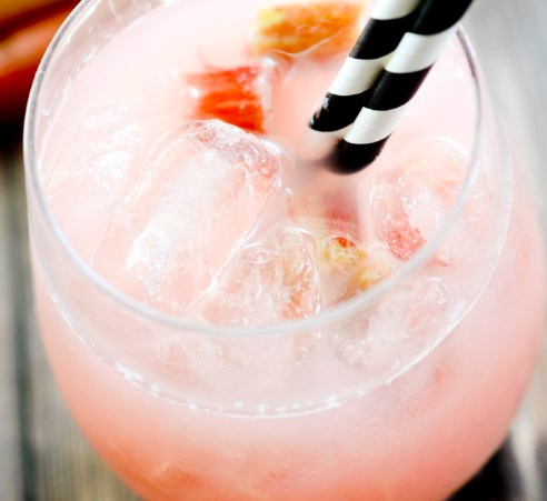 SUMMER RHUBARB LEMONADE #drinks #vodka