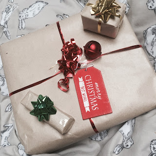 How I Wrap My Christmas Presents // Blogmas
