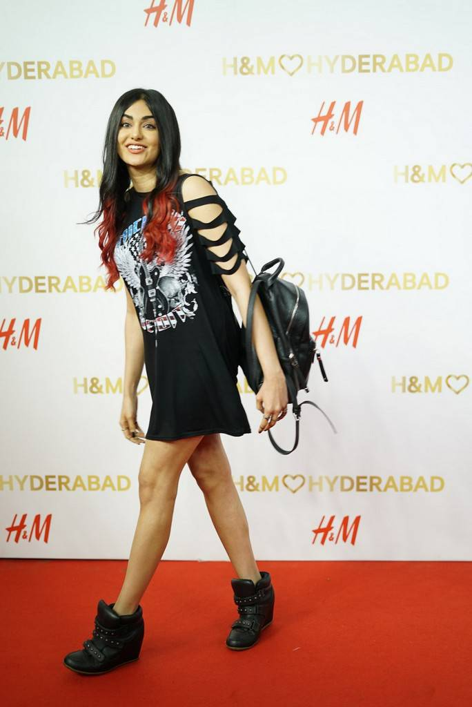 Adah Sharma At H And M Store Launch Stills