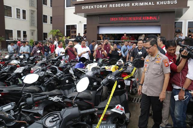 Polda Jabar Tangkap Terduga Penadah Ratusan Sepeda Motor Di Bandung