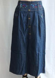Rok Bahan Jeans Murah RM375