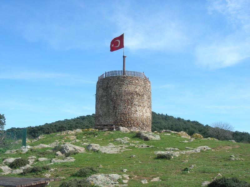 istanbul adalar gezilecek yerler heybeliada değirmen tepesi