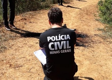 http://www.jornalocampeao.com/2019/10/corpo-e-encontrado-carbonizado-preso-em.html
