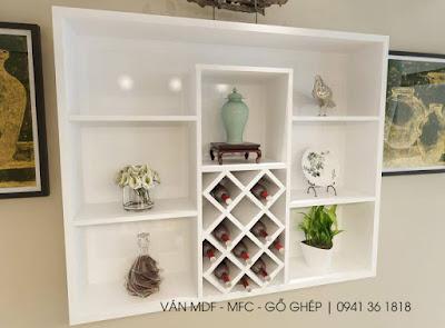 Kệ sách treo tường có thể trang trí các phụ kiện tăng nét đẹp cho căn phòng