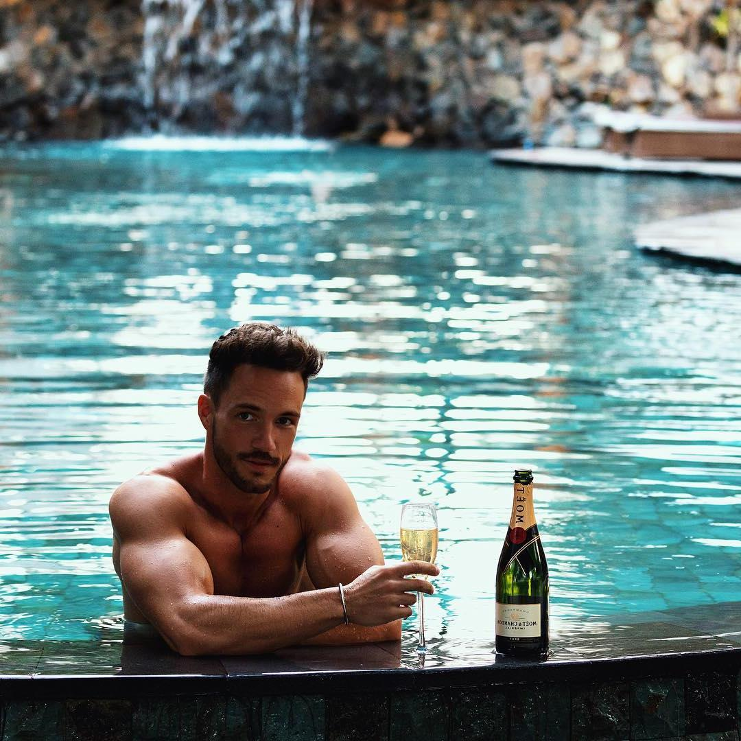 shirtless-luxury-young-daddy-daniel-fuchs-magic-fox-instagram-pictures