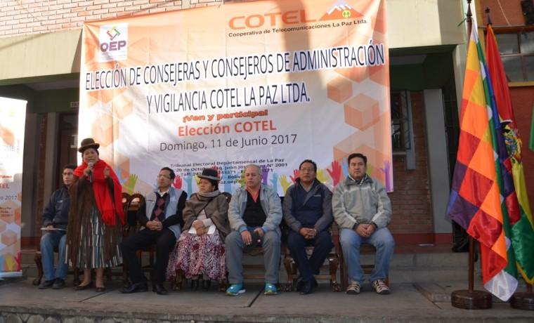 Autoridades de COTEL y TSE al inicio del proceso electoral de este domingo