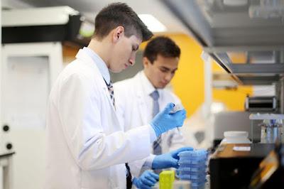 Sikap-Sikap Ilmiah yang Harus Dilakukan dalam Melakukan Teks Laporan Percobaan