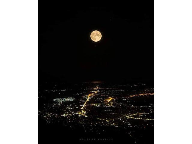 Η Αυγουστιάτικη πανσέληνος πάνω από την Ξάνθη – Η μαγευτική εικόνα