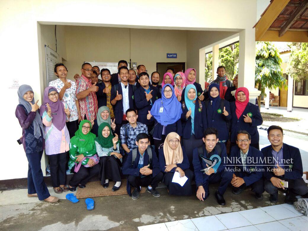 Calon Perawat Kesehatan Jiwa Stikes Gombong Belajar di Rumah Singgah Dosaraso