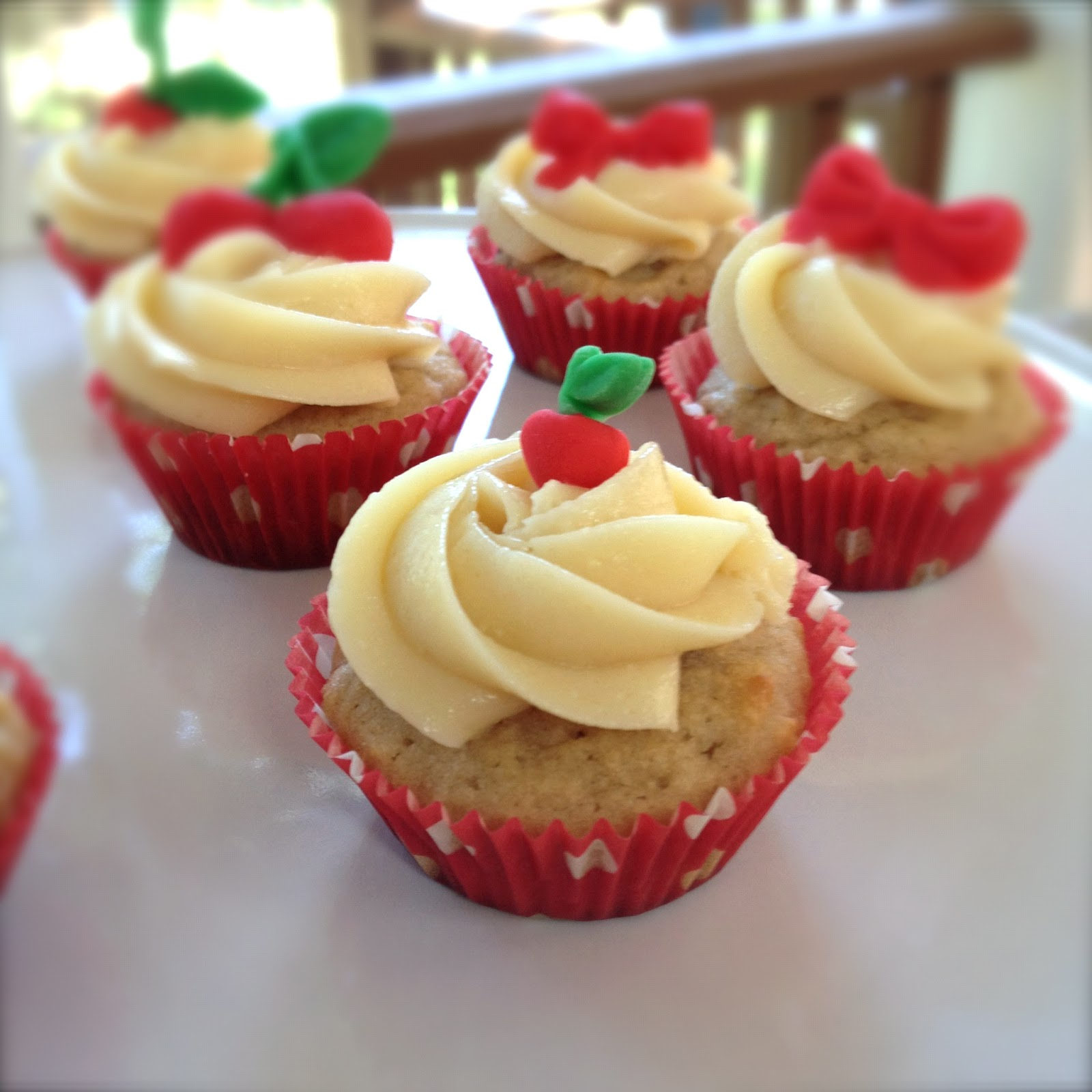 Evolution Of A Party...: Strawberry Cupcakes The Healthy Way