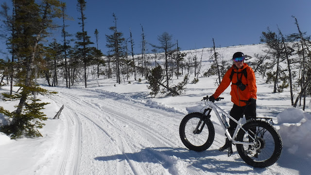 Fatbike Republic Fat Bike Fatbike Newfoundland Blivet Sports Naska Lobe Manni Gloves Skull Cap Cycling Clothing