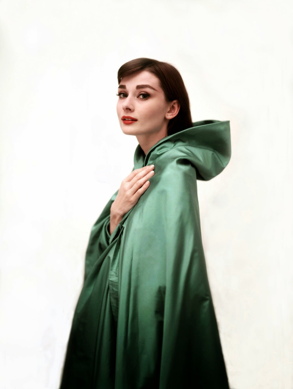 Beautiful Fashions of Audrey Hepburn in the 1950s ...