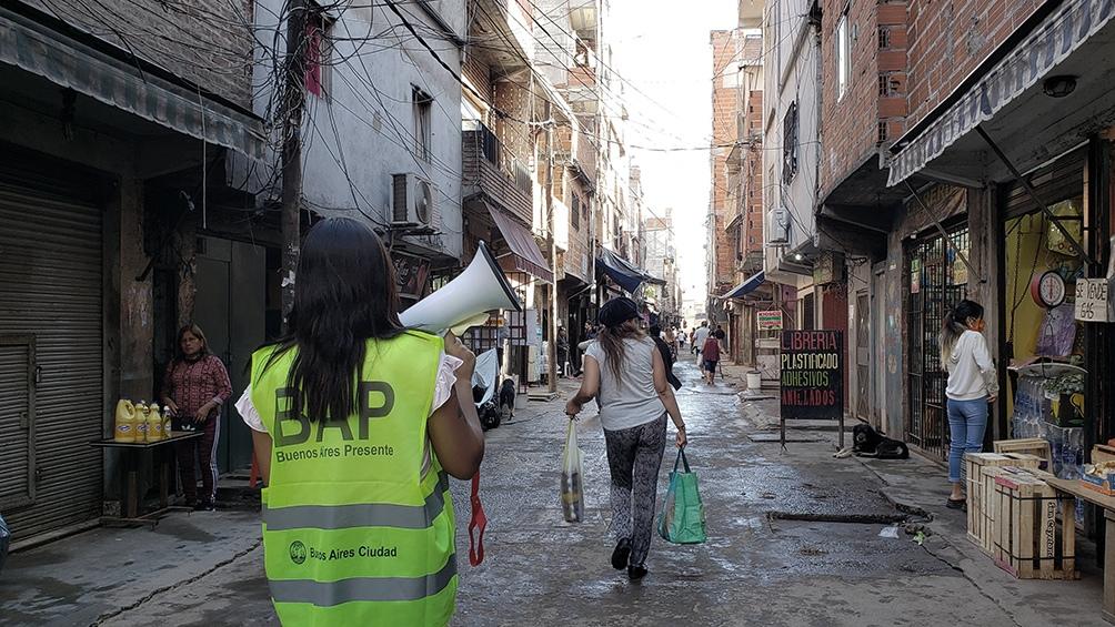 Un muerto y 131 nuevos casos fueron reportados en barrios populares porteños