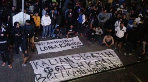 Bobotoh Sebut Kapolda Jabar Penakut, #BandungDaruratSepakbola Trending