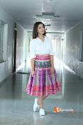 Rashi Khanna Dazziling Pics-thumbnail-5