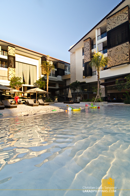 Trans Resort Bali Seminyak Sand Pool